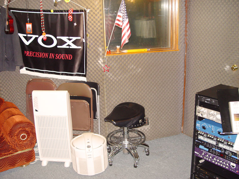 01_Vocal Booth outside.jpg