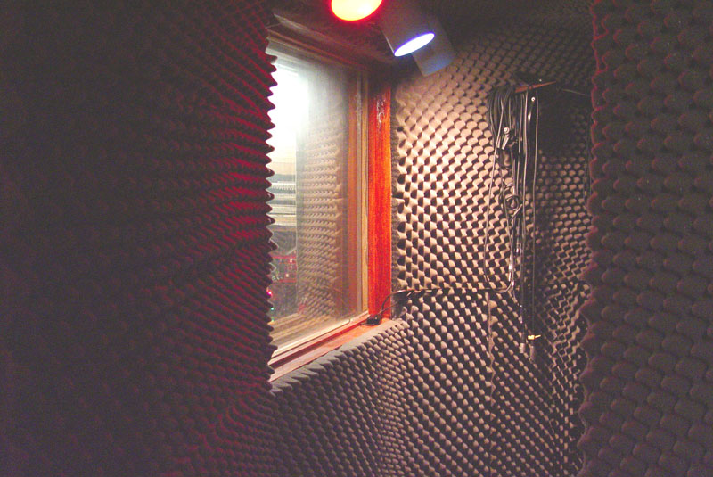 04_Vocal booth inside.jpg